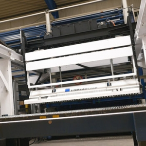 Regal Maschine Hujer-Lasertechnik Ihr Laserdienstleister Industrielle Laserbearbeitung 3D-Lasertechnik 2D-Lasertechnik Laserschweißen Rollenrichten CNC-Abkanten Buckelschweißen Laserschneiden 2D-Laserschneiden 3D-Laserschneiden