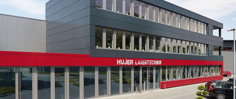 Hujer-Lasertechnik Standort Harsewinkel Ihr Laserdienstleister Industrielle Laserbearbeitung 3D-Lasertechnik 2D-Lasertechnik Laserschweißen Rollenrichten CNC-Abkanten Buckelschweißen Laserschneiden 2D-Laserschneiden 3D-Laserschneiden