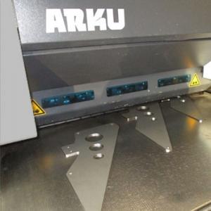 Rollenrichten Hujer-Lasertechnik Ihr Laserdienstleister Industrielle Laserbearbeitung 3D-Lasertechnik 2D-Lasertechnik Laserschweißen Rollenrichten CNC-Abkanten Buckelschweißen Laserschneiden 2D-Laserschneiden 3D-Laserschneiden